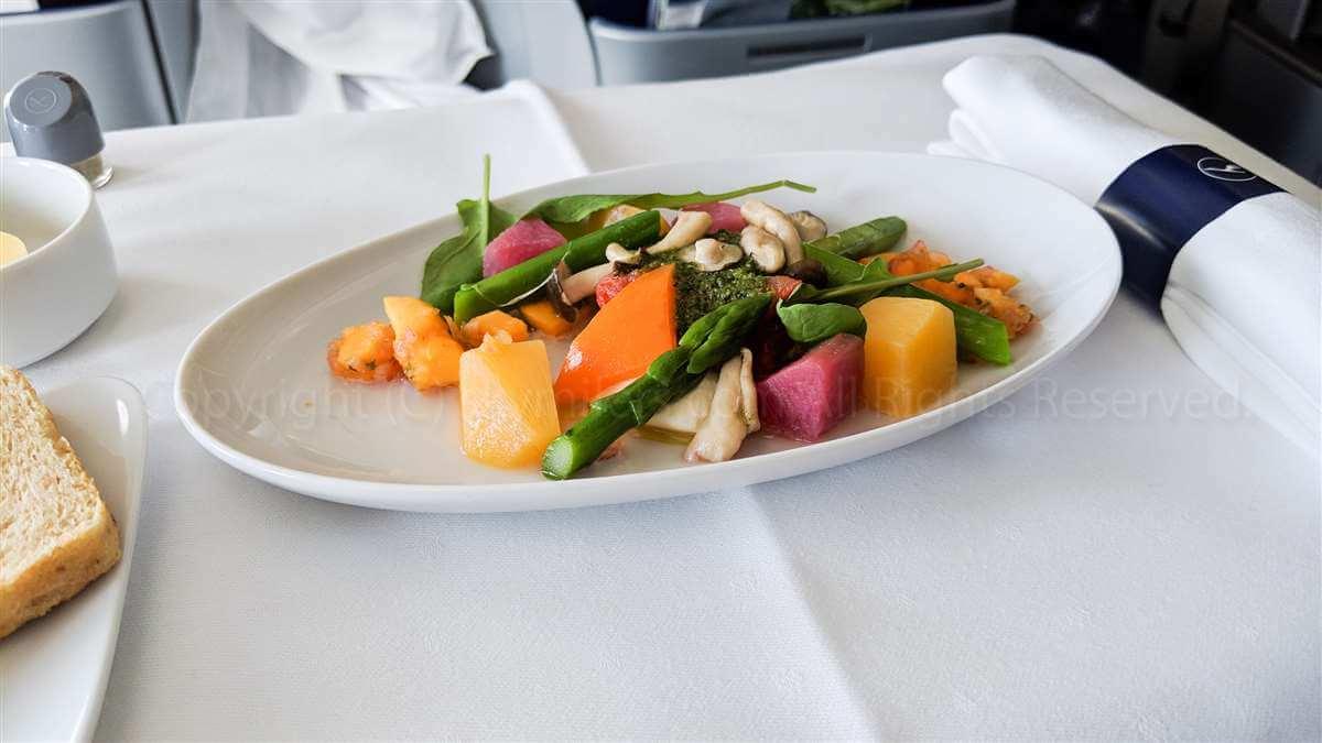 ルフトハンザLH715 ビジネスクラス 野菜盛り合わせ